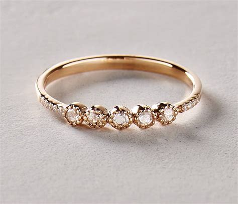 20 non traditional engagement rings that are