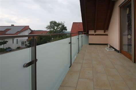 balkongeländer glas edelstahl balkongel 228 nder edelstahl glas bk50 schlosserei schleip
