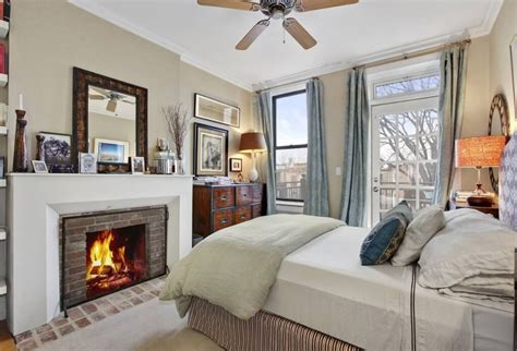Bedroom Above Fireplace by 30 Glorious Bedrooms With A Ceiling Fan