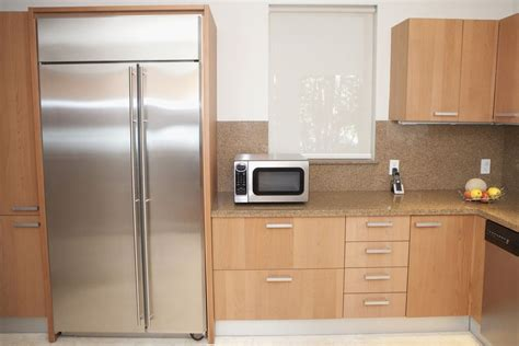 slab door kitchen cabinets average kitchen size facts from industry groups 5304