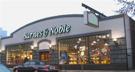 barnes and noble chicago barnes noble booksellers closed newsagents lincoln