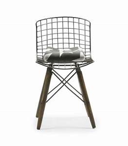 Chaise Transparente Pied Bois : chaise design pas cher ~ Teatrodelosmanantiales.com Idées de Décoration