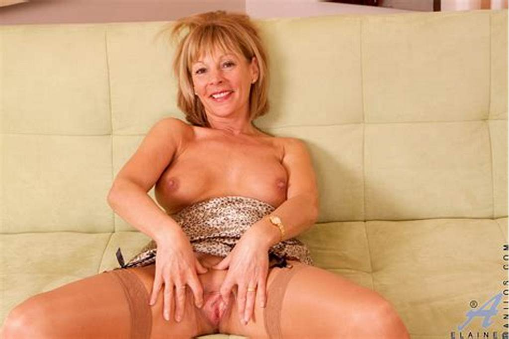 #Lovely #Milf #Hottie #Elaine #Bares #Off #Her #Body #And #Gently
