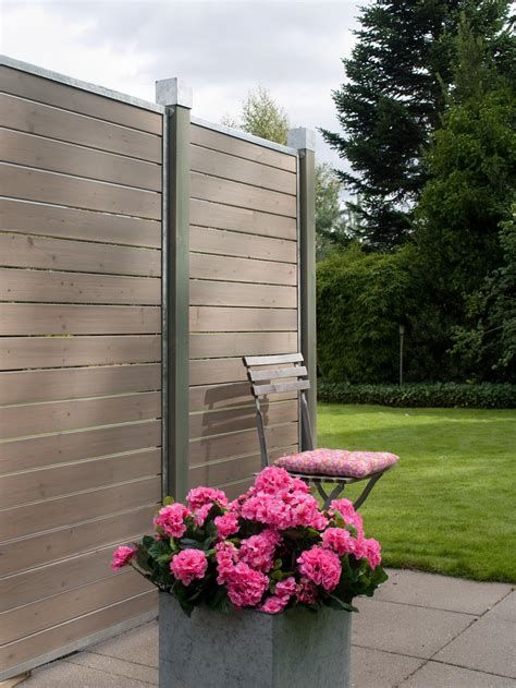 Moderner Sichtschutz Für Garten by Garten Im Quadrat Sichtschutz Aus Holz Cubic Graubraun