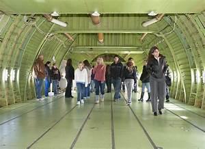 NASA - Middle School Girls Take a Tech Trek at Dryden