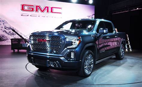 gmc sierra offers carbon fiber bed multi position