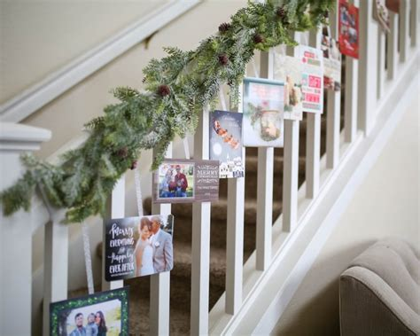 decorate  stairs  christmas simplemost