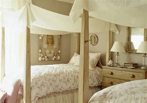 canopy bed designs adding romance  modern bedroom decorating ideas