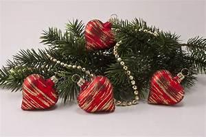 Weihnachtskugeln Aus Lauscha : 4 herzen rot matt gold geringelt christbaumkugeln ~ Orissabook.com Haus und Dekorationen