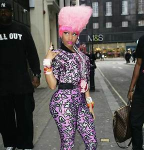 Nicki Minaj has posed with no makeup see all the pictures