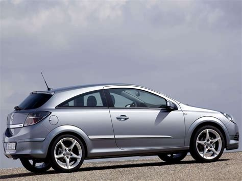 Opel Astra 2005 by Car Pictures Opel Astra Gtc 2005