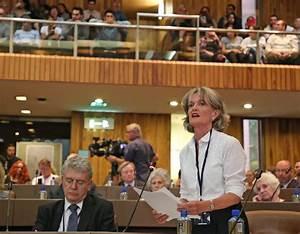 Elizabeth Campbell heckled as she pledges to 'regain trust ...