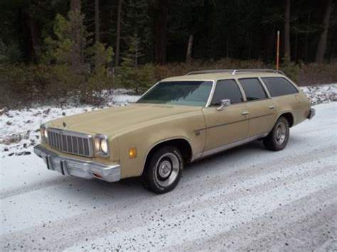 purchase   chevrolet malibu classic wagon  door