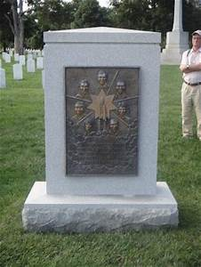 Space Shuttle Challenger memorial - Picture of Arlington ...