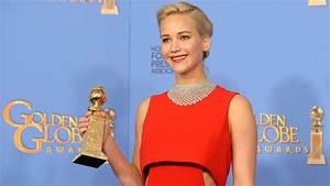 Jennifer Lawrence Chooses Peeta at the Golden Globes 2016 ...