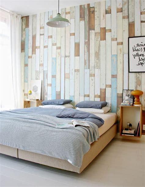 tapeten ideen für das schlafzimmer tapete in holzoptik 24 effektvolle wandgestaltungsideen