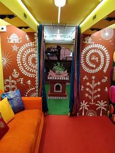 Colors Marathi Bigg Boss Bus is Touring Maharashtra