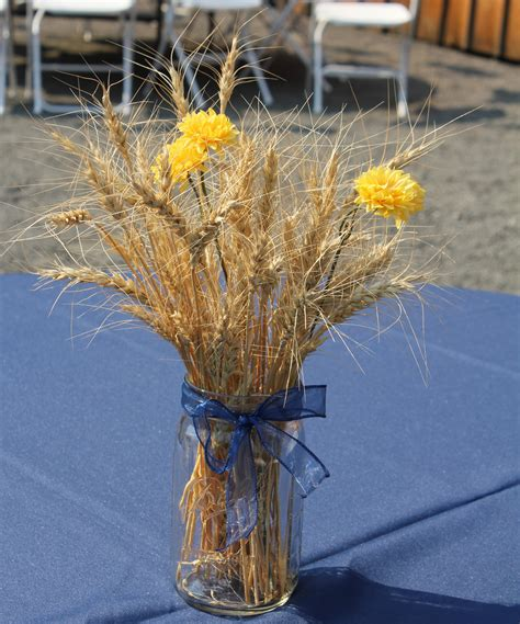 Simple Country Table Centerpiece