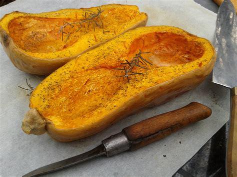 comment cuisiner la polenta comment cuisiner courge butternut 28 images comment d 233 couper une courge butternut l