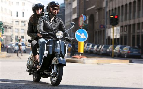 Vespa Gts 4k Wallpapers by Vespa Wallpaper 64 Pictures