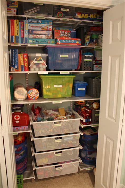 Closet Designs Toygame Closet (after) Transitional