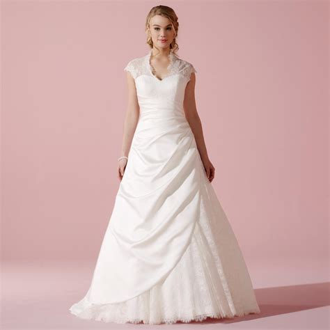 robe de mariage robe de mariage type princesse en dentelle et satin tess