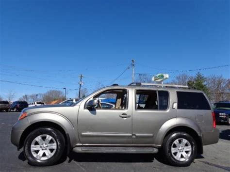 2005 Nissan Pathfinder Le by Sell Used 2005 Nissan Pathfinder Le In 5010 W Market St