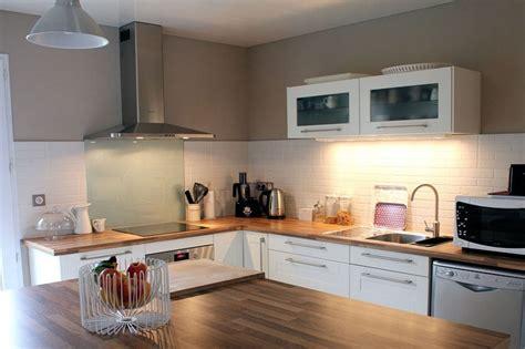 cuisine laqu馥 blanche ikea charming cuisine bois et blanc laque cuisine blanche et bois with cuisine blanche et bois with cuisine noir et blanc laqu