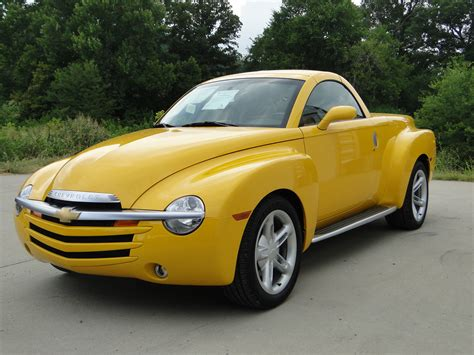 chevy truck car chevrolet ssr technical specifications and fuel economy