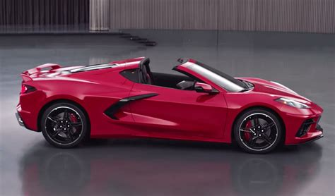 The Mid-engined 2020 Corvette Stingray Gets Official