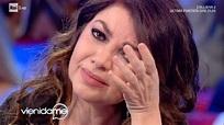 Cristina D'Avena si commuove ricordando suo padre - Vieni ...