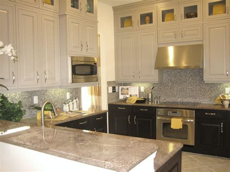 U Shaped Two Toned Cabinets In Kitchen With Black And