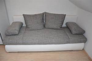 Schlafcouch Weiß Grau : bequeme schlafcouch wei grau neuwertig 140x200cm in hringen polster sessel couch ~ Markanthonyermac.com Haus und Dekorationen