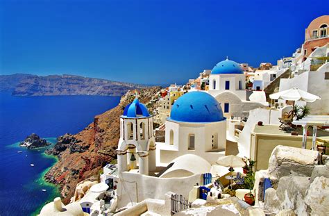 Top 30 Luxurious Hotels To Check Out In Santorini, Greece