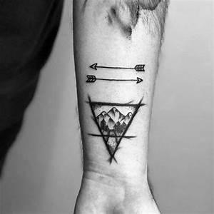 Kleine Männer Tattoos : 50 kleine pfeil tattoos f r m nner manly design ideen mann stil tattoo ~ Frokenaadalensverden.com Haus und Dekorationen