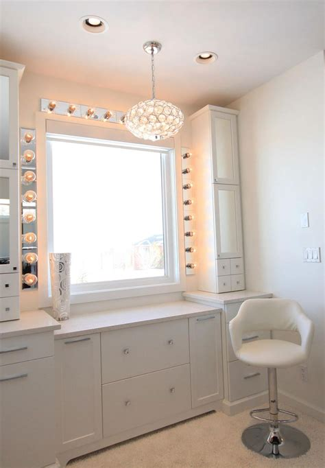 White Vanity Makeup Station by Amazing White Makeup Vanity I Need This More Than