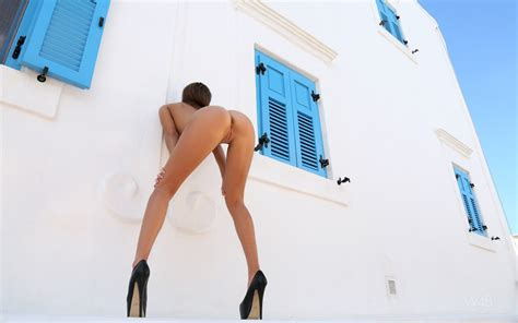 Maria Ryabushkina Perfect Small Ass And Hot Long Legs Outdoors In Greece Erotic Wallpaper