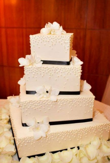gorgeous square wedding cake ideas weddingomania