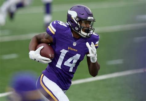 Stefon mar'sean diggs (born november 29, 1993) is an american football wide receiver for the buffalo bills of the national football league (nfl). Vikings WR Stefon Diggs talks football & wings at B-Dubs ...