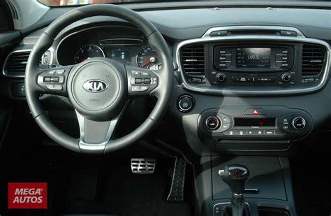 kia sorento 2015 interior llegaron las nuevas kia sportage y sorento mega autos