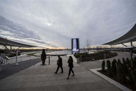 'worldclass' Mgm National Harbor Resort Opens To Packed