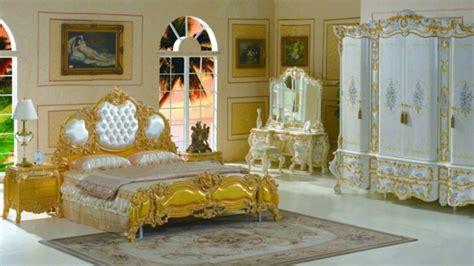 chambre luxueuse le chevet baroque rennaissance d 39 un meuble classique