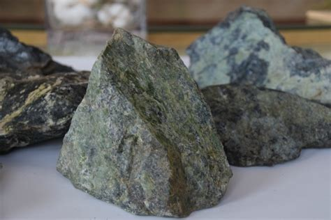 serpentinite rocks eve    garden