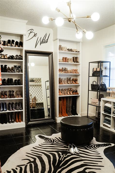 Convert Closet by How To Covert Spare Bedroom Into A Closet Upbeat Soles