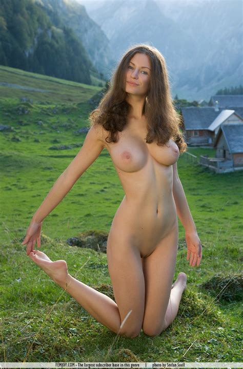 Euro Babes Db Naked Farm Girl