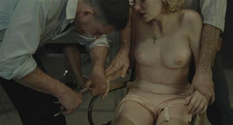 Dborah Franois Nue Dans Les Femmes De Lombre