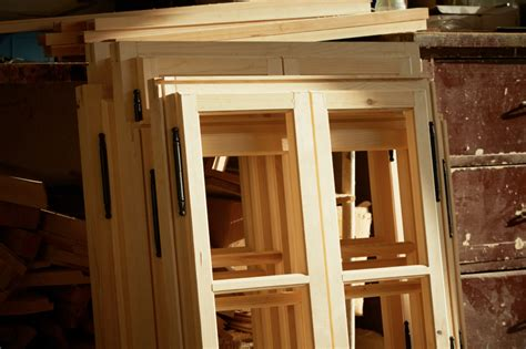 fenster selber streichen holzfenster spachteln 187 anleitung in 4 schritten