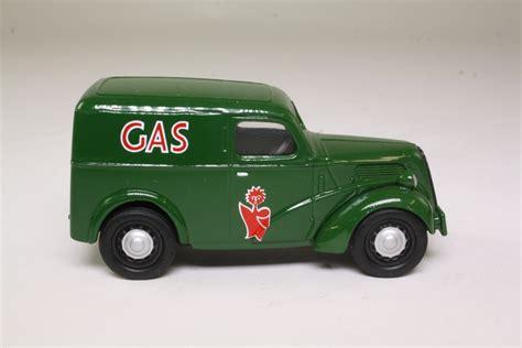 Corgi Classics 96866; Ford Popular Van; Gas Board; Green 36900