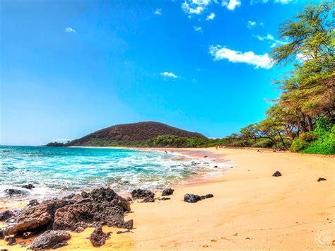 big beach  makena maui hawaii hawaiian beach rentals