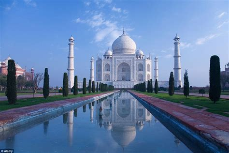 lonely planet reveals  worlds top  greatest wonders
